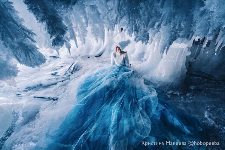 в ледовом гроте